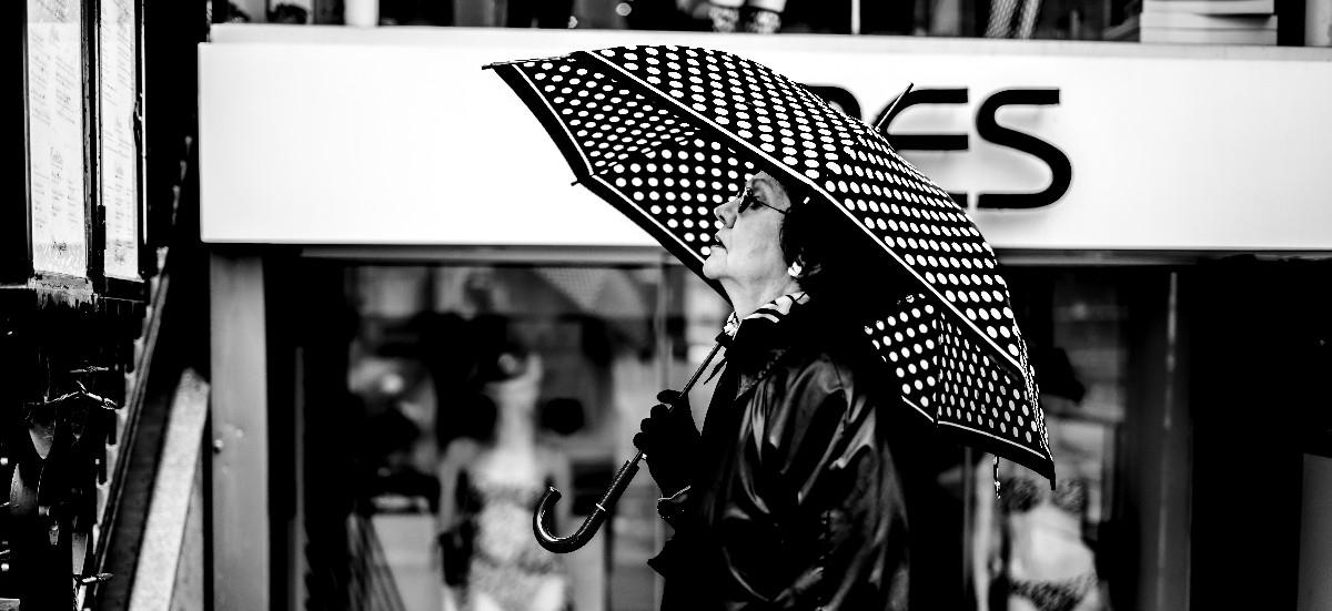 lunch - bandw, blackandwhite, streetportrait - nickbissett | ello
