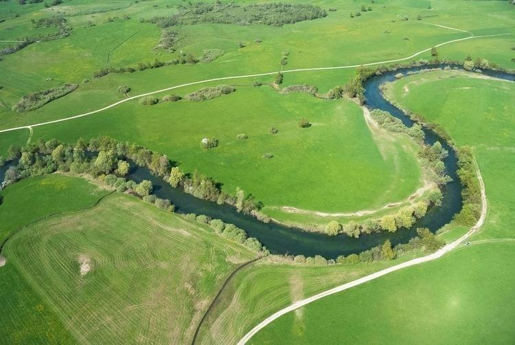 River Unica meanders Planina ka - kap_jasa | ello