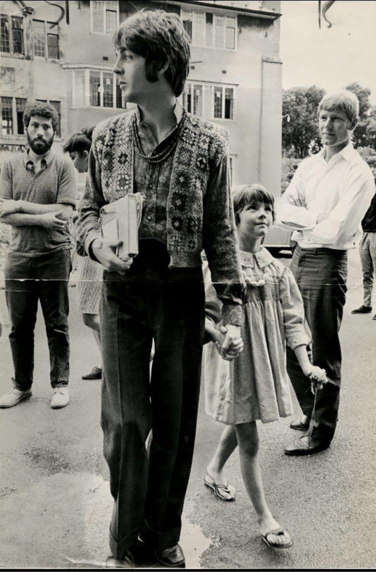 Chic Hippy - paulMcCartney, 1967 - stephenjhsmith | ello