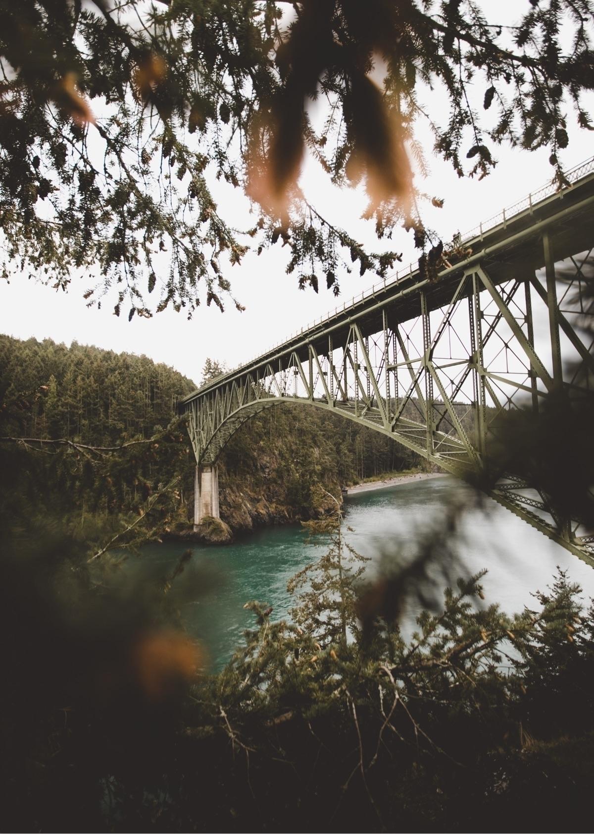 Hills Bridge - rosswmarvin   ello