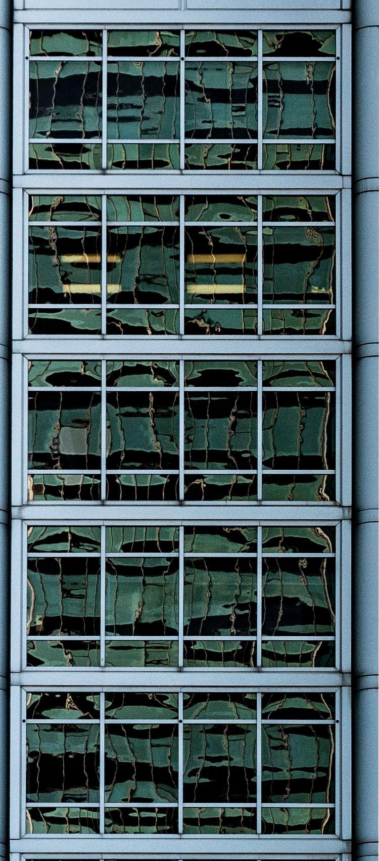 Swimming reflection glance, win - notabene | ello