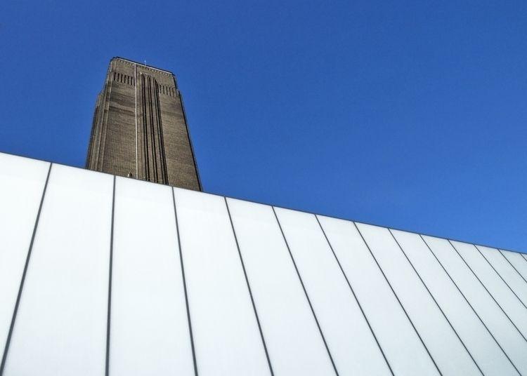 Tate Modern, London. Clean, sim - phil_levene | ello