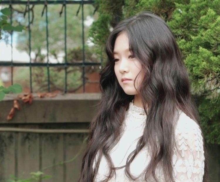 ✧・゚: :・゚✧:・゚✧ - loona, hyunjin - loonalq | ello