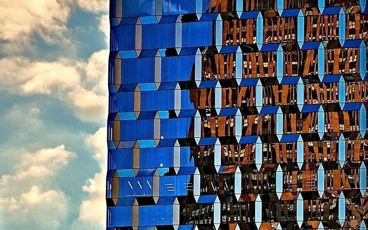Geometric tower - sonyalpha - ymmijiz   ello