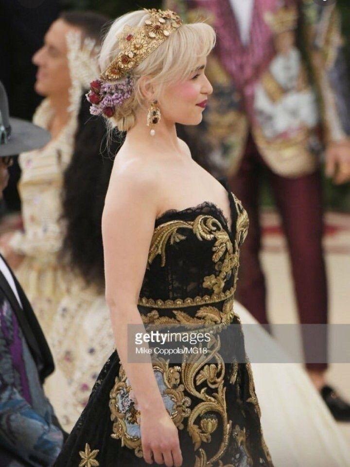 Daenerys Targaryen também está  - kiwiofharry | ello