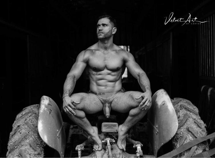 Bull - bodypaint, bodybuilder, expressionism - velvetartbycarter | ello