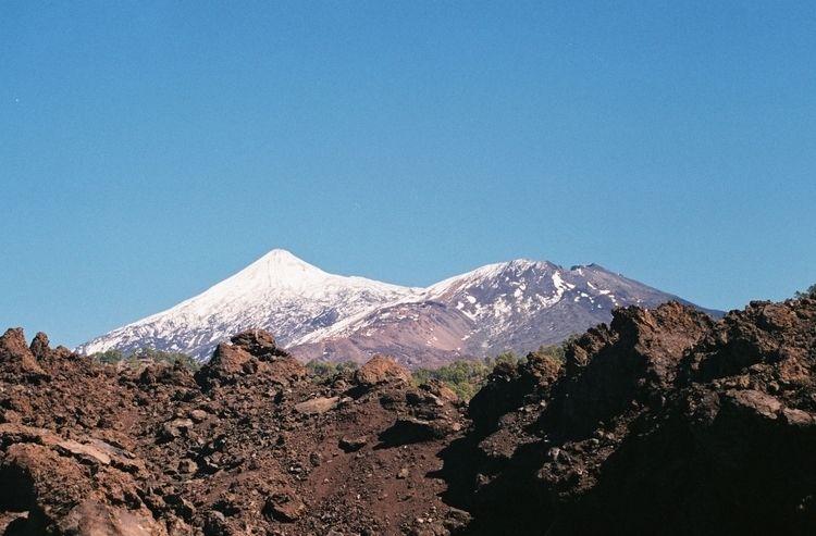 Teide - filmfotography, analog, volcano - ferreira-rocks   ello