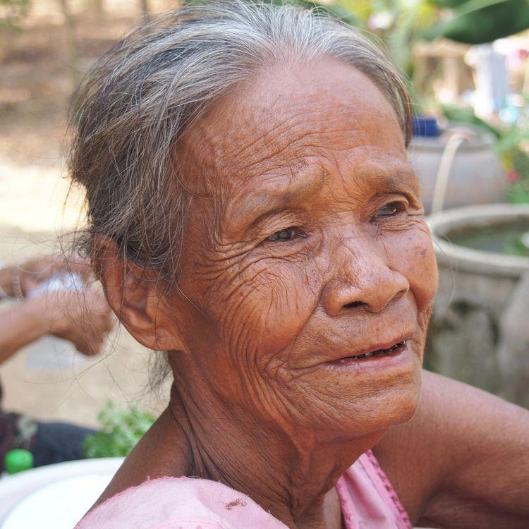 Sukhothai - Grandma - berthy | ello