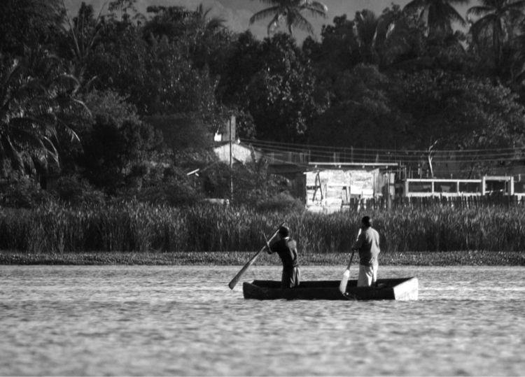 Petén Itzá Lake - myows, portrait - arturogodoym | ello