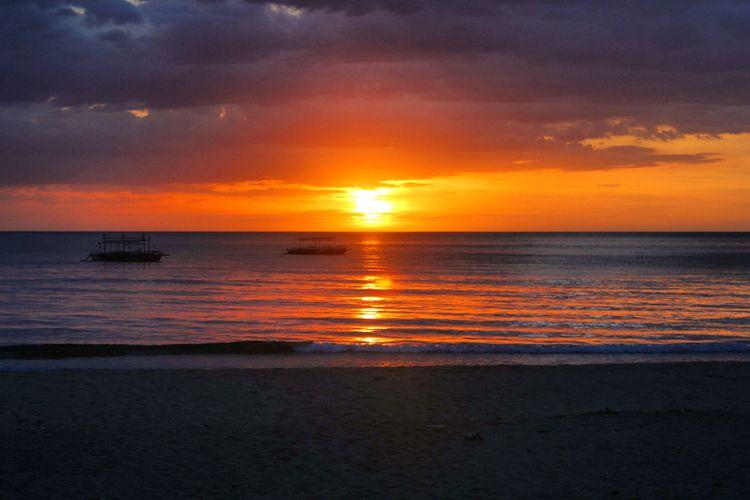 Sunset Sugar Beach, 2017 - sunset - lenaonthemove | ello