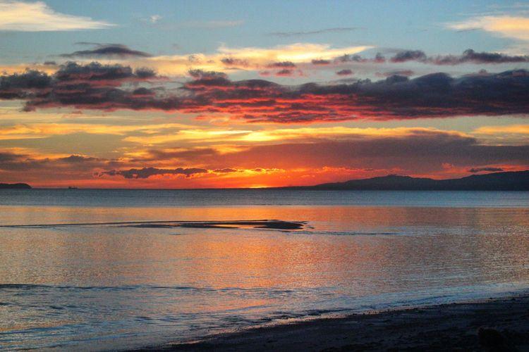 Sunset Solangon Beach, 2017 - sunset - lenaonthemove | ello