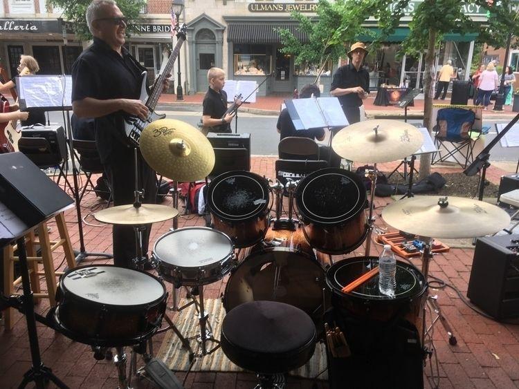 office; rock drums Marine Corps - ladybassmusic   ello