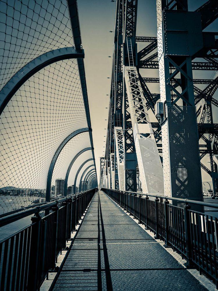 Story // Bridge, Brisbane, Aust - daphot   ello