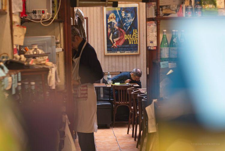 Café, Porte Saint-Martin - paulperton | ello