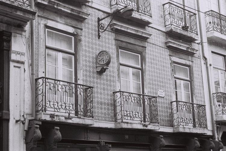 Lisboa House Screws Fluorescent - ferreira-rocks   ello