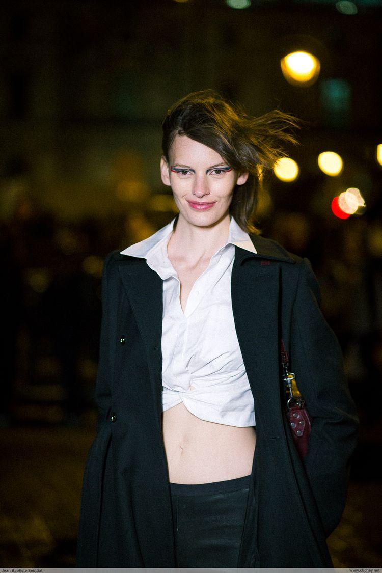 Amanda Murphy / Louis Vuitton F - clichey   ello