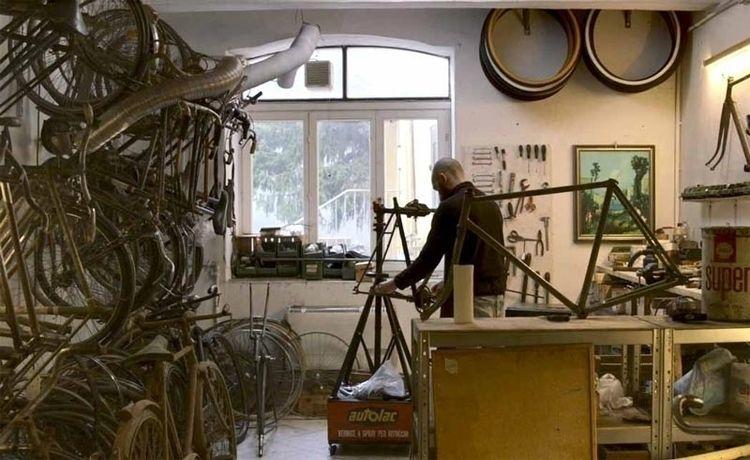 Bicicletta Dannata project born - fumogallery | ello