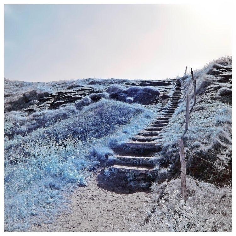 blue world Le monde bleu - MurielleEtc - murielleetc | ello