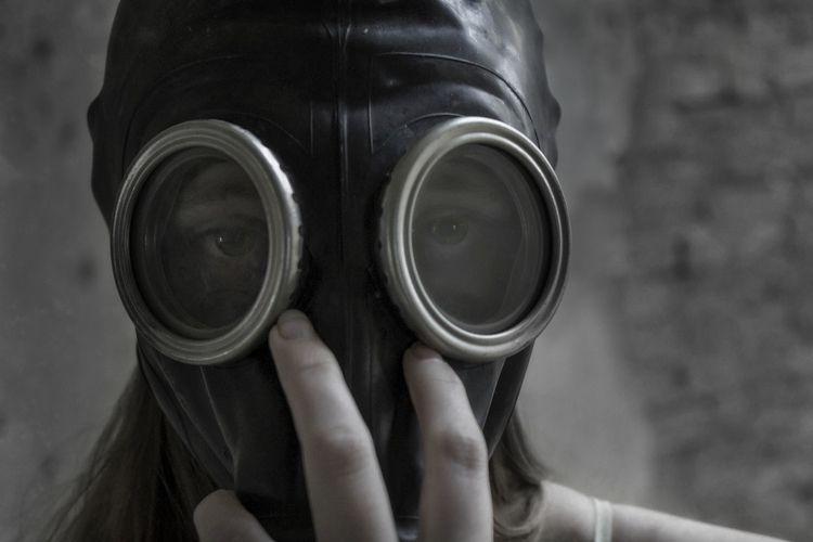 Modeling - photography, girl, gasmask - dead_splicer | ello