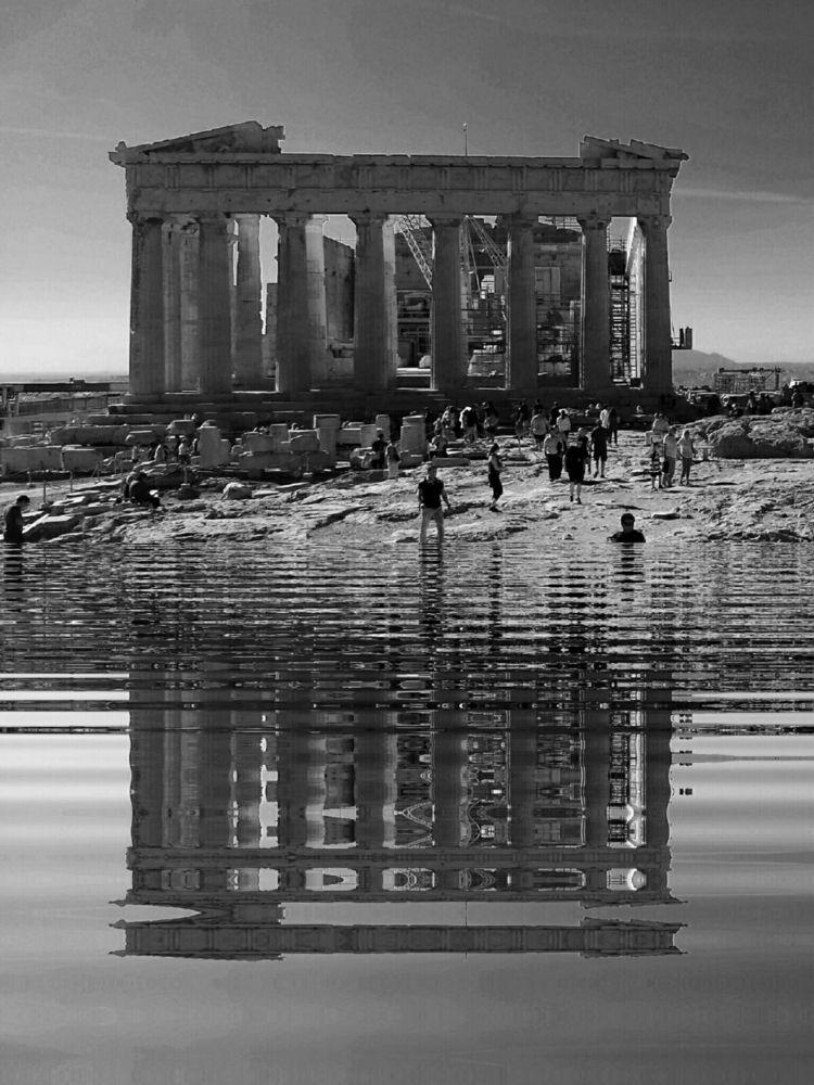 swimmers - art, architecture, bnw - zoran_sajatovic | ello