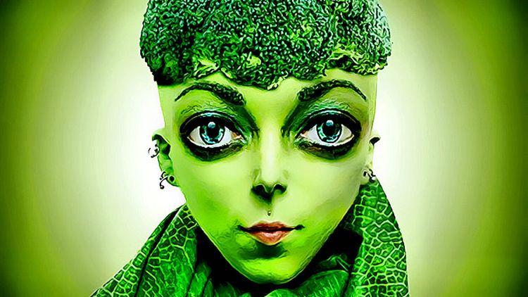 Green Morphing GIF Gif: Film: P - drakre52 | ello