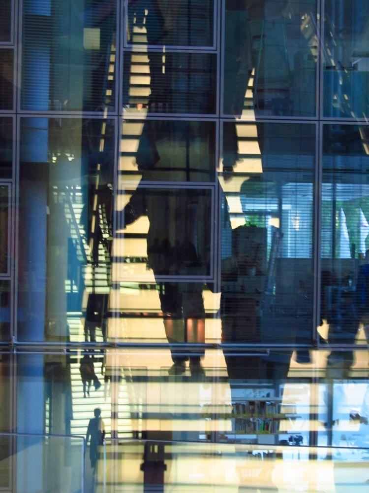 stairways, Frankfurt, Commerzbank - alles_banane | ello