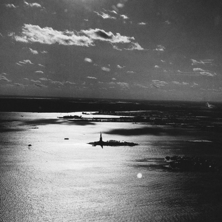 Statue Liberty (2017 - blackandwhite - montcarver | ello