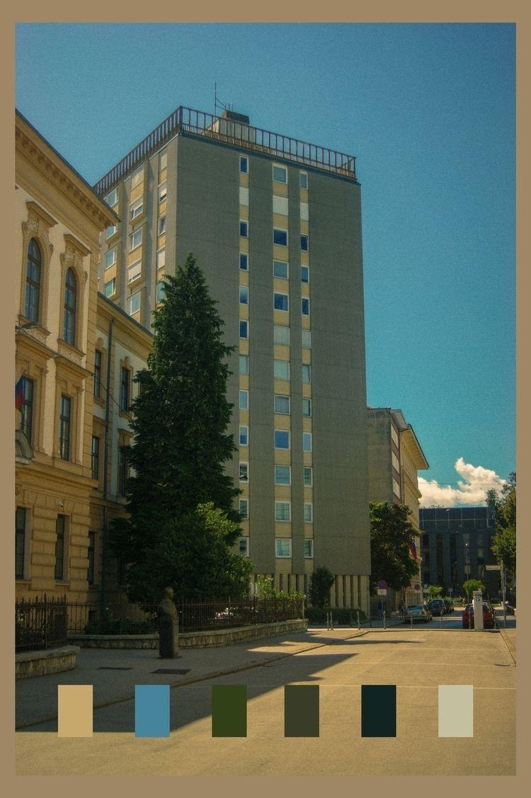 colors Slovenian street sight - photo - vanloo | ello