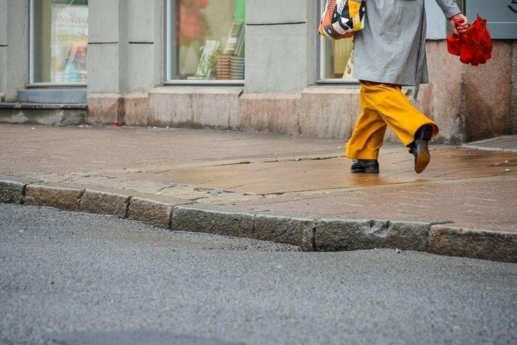 169 | 365 daily pedestrian Oslo - myriam | ello
