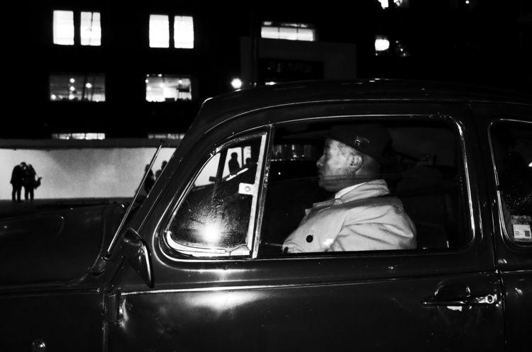 Black White Street Photography - trovatten | ello