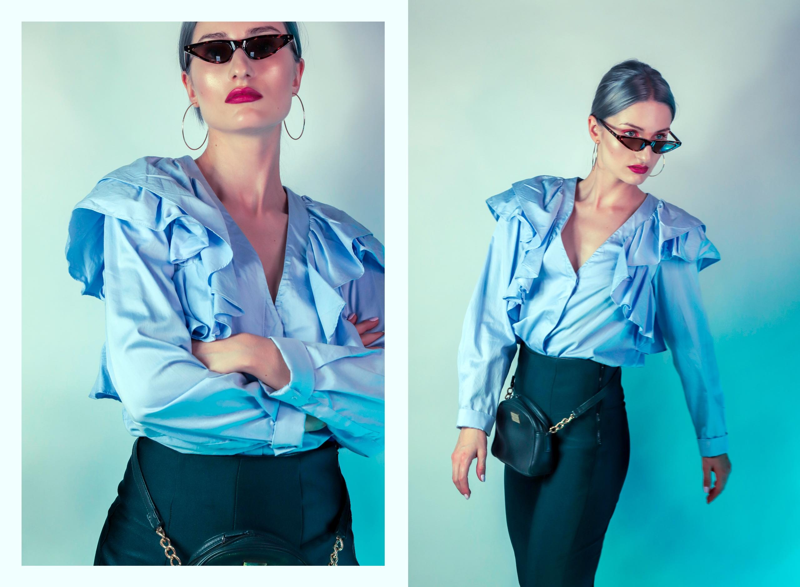 Obraz przedstawia dwa zdjęcia kobiety w błękitnej koszuli z falbaną. Kobieta ma na sobie okulary przeciwsłoneczne.