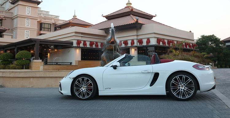 Porsche Car Hire Dubai Airport  - vipcarrental | ello