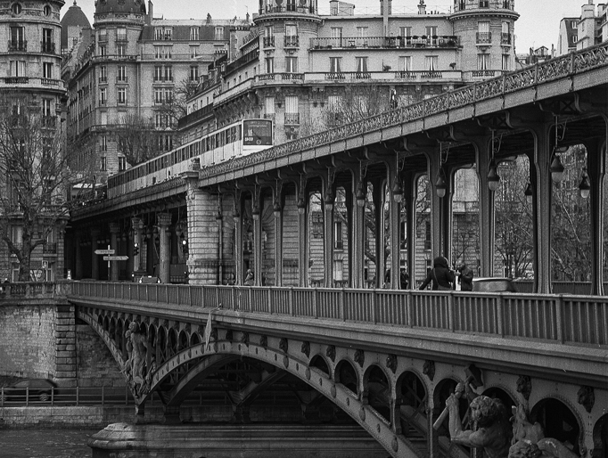 Paris, streetphotography, oldfashion - peterhphotography | ello