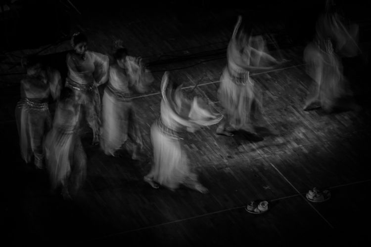 Life motion - dance, bnw, colour - isukantapal | ello