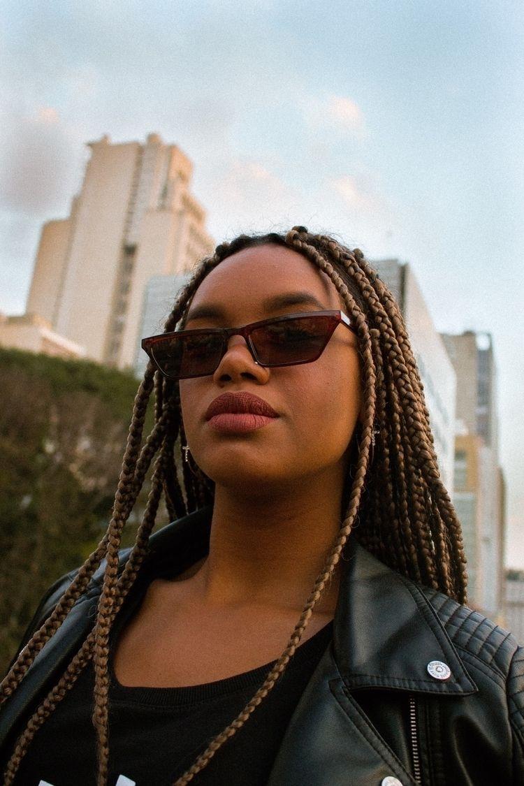 Urban - Portrait - henriquejose | ello