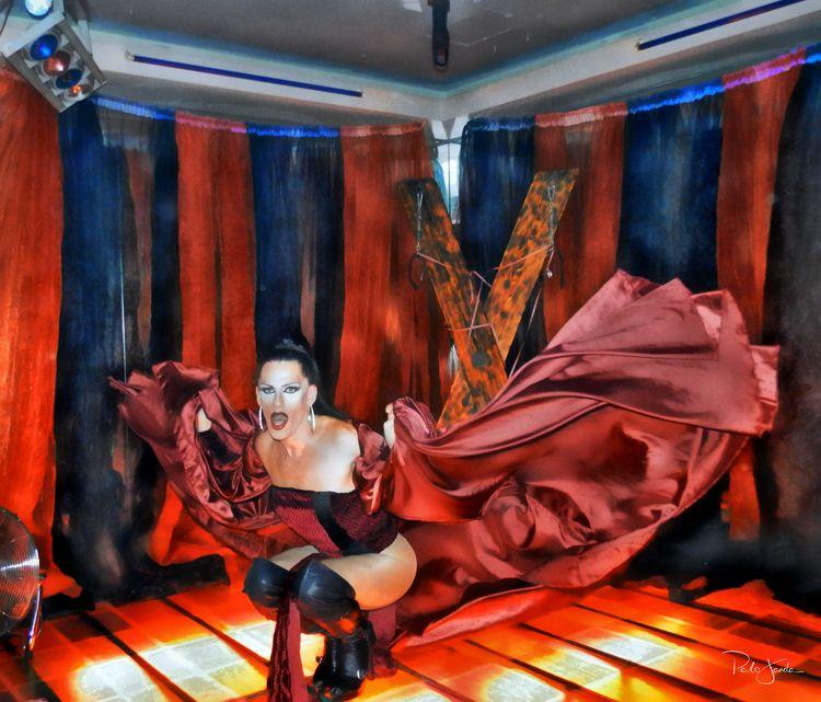 Lady Luna - performance, photography - pjjanela_xmafax | ello