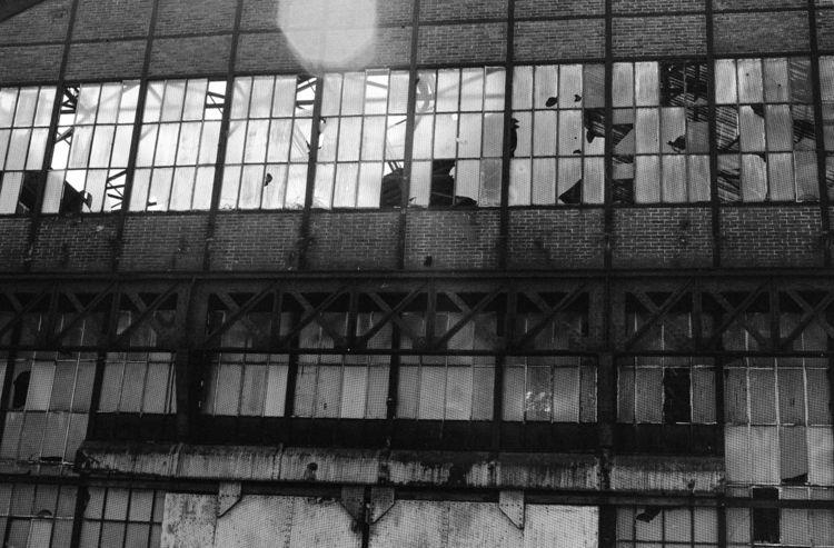 analog, blackwhite, architecture - loyph   ello