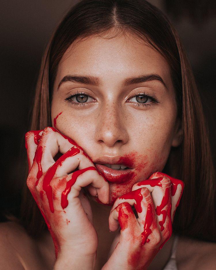 Moody Female Portrait Photograp - photogrist | ello