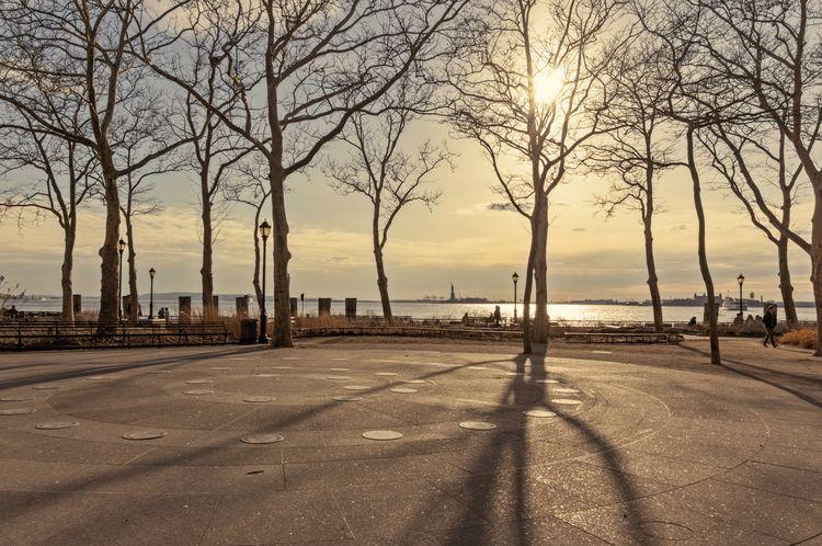 Manhattan Walks series Evening  - alecksmart | ello