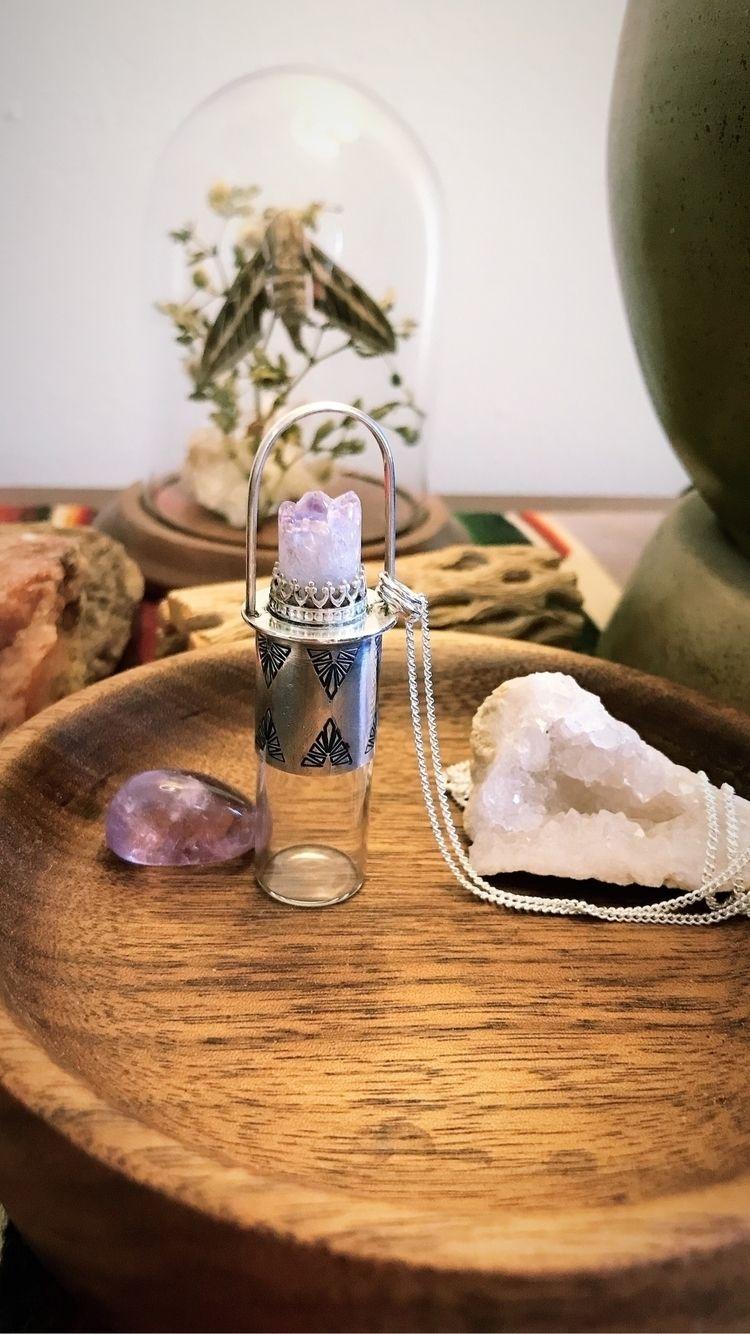 fun creating vial necklaces! ad - alderandash | ello