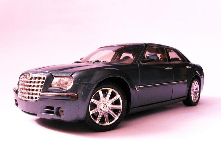 Chrysler 300C big 4-dool luxury - rooster64   ello