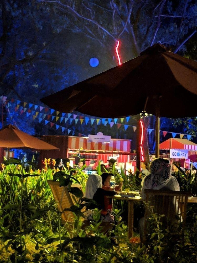 night ambience jakarta - gbk, festival - ohamdu | ello
