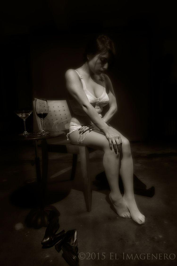 Clara story - lingerie, pain, conceptual - elimagenero | ello