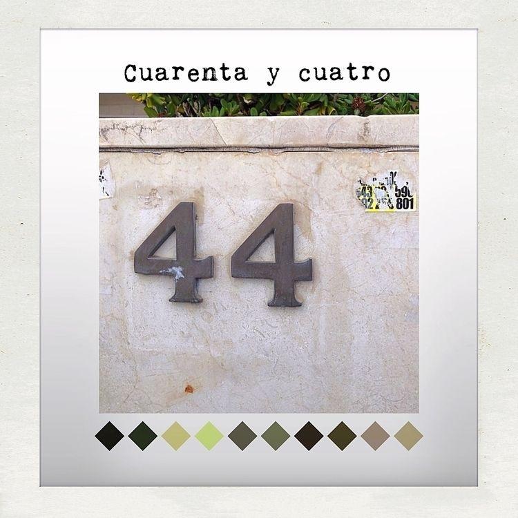 Números / Numbers 44 - genaroog | ello
