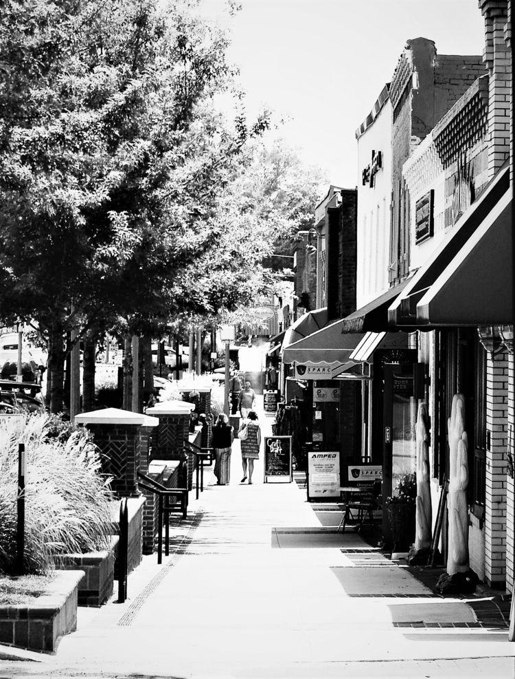 Main Street - Blackandwhite, streetphotography - drewsview74 | ello