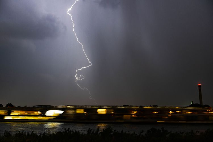 lightning, blitz, gewitter, thunderstorm - daniel_ordelt | ello