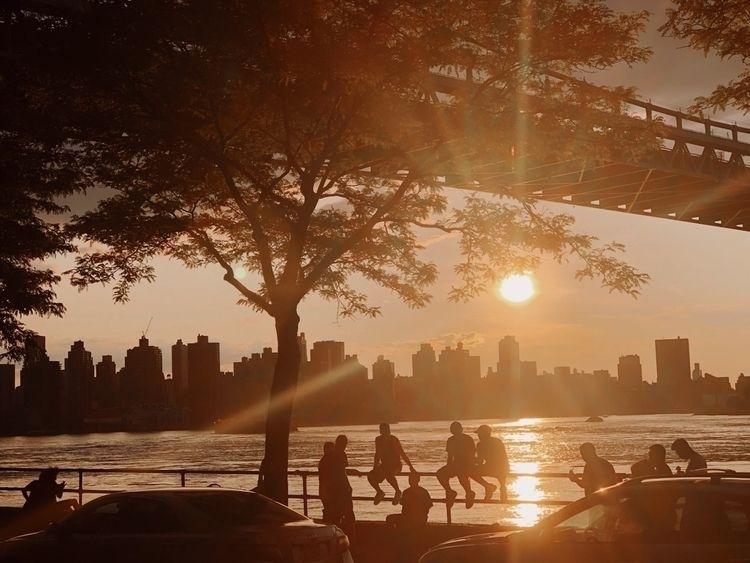 Astoria Park, Queens - streetphotography - brdgt_   ello