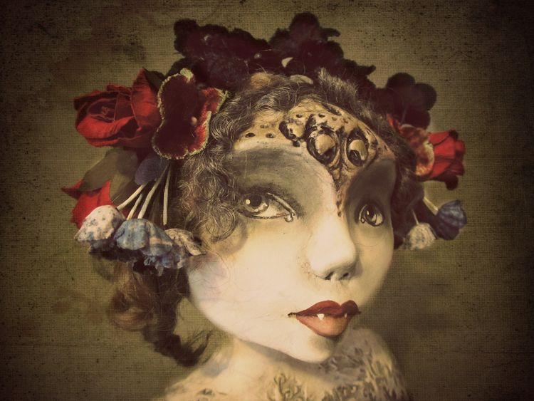 Detail vampire art doll artist  - amberleilani | ello
