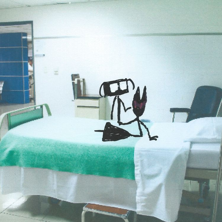 Sally sat hospital bed. afraid  - littlefears   ello