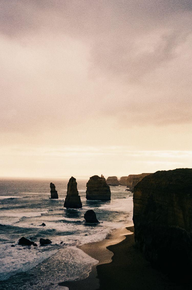 0021 12 apostles, australia - hughmcintyre | ello
